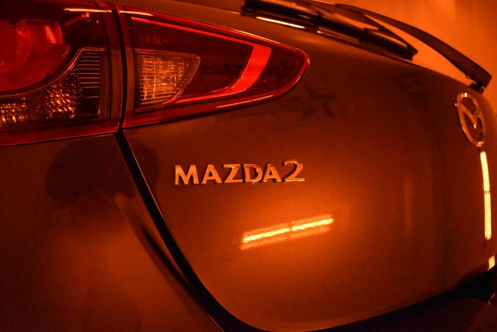 マツダMAZDA2カーコーティング大阪兵庫神戸ガラスコーティング大阪兵庫神戸車コーティング大阪神戸兵庫